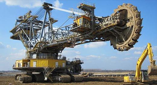 大型露天采矿机